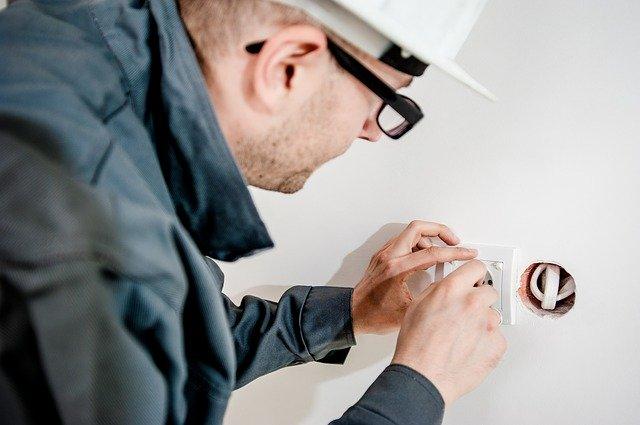 業者が行うビジネスホンの屋内回線工事の費用を紹介します!