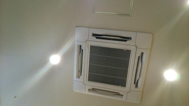 674391 s - 業務用エアコンの高圧圧力異常の原因と対処法・予防策