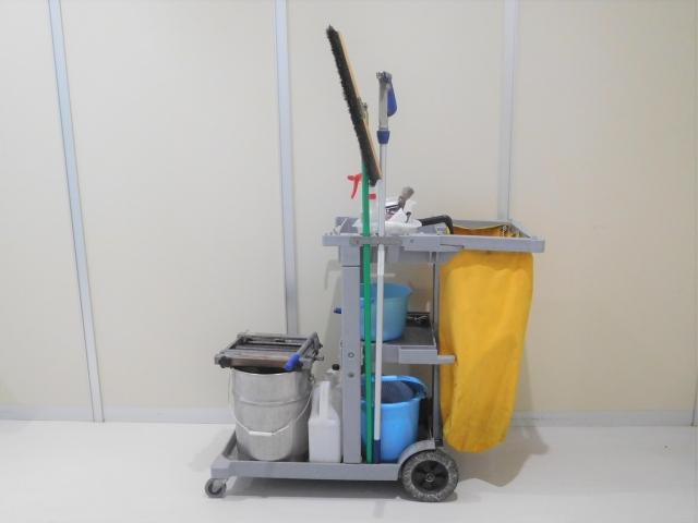 4829408 s - アパートを大家が清掃する場合と業者に外注する場合のメリット・デメリット