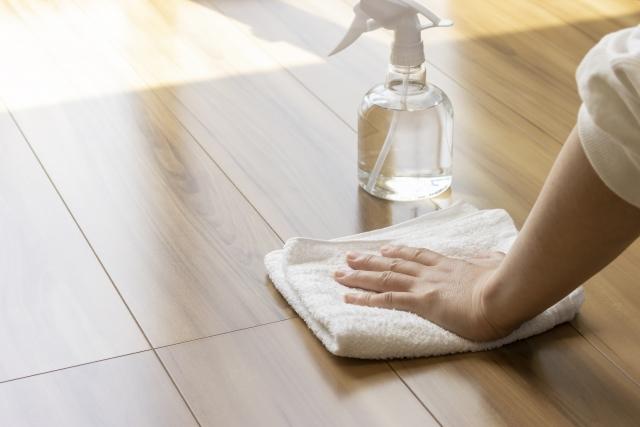 4903091 s - 床の素材別・飲食店の床の掃除方法と美観維持のためのポイント