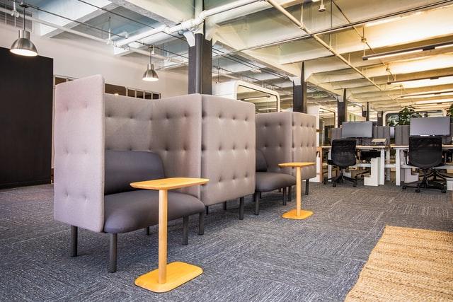 uneebo office design RnmWQkwtFuE unsplash - オフィスに集中ブースを設置することによる3つのメリット