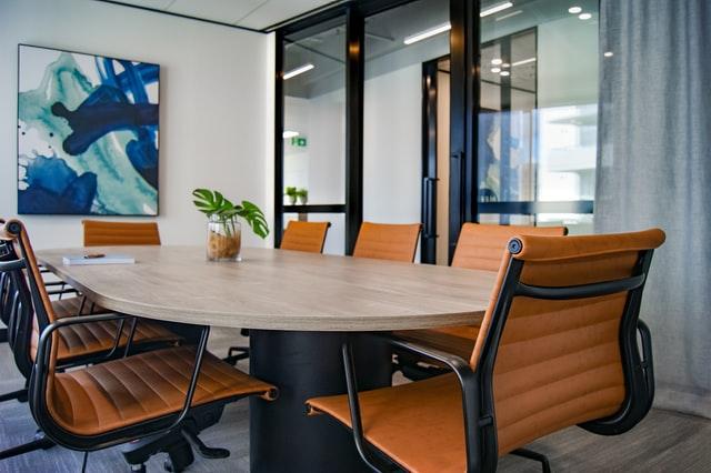 好印象を与える会議室の内装デザインで意識したい4つのこと