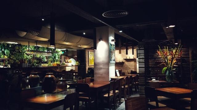 vishwas katti UrQ BS9bLXQ unsplash - 飲食店の内装工事にかかる費用の相場と安く抑える方法